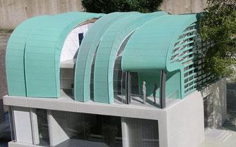 Miedziany patynowany na zielono dach