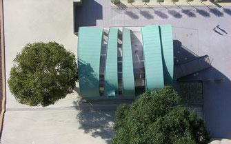 Muzeum zielono-patynowana miedź